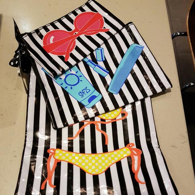 3 Set Travel/Makeup Bags