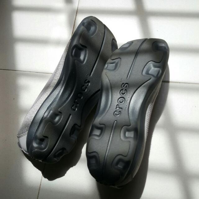 77fdf1f84 Crocs Women s Busy Day Heathered Flat Size 8 Light Grey