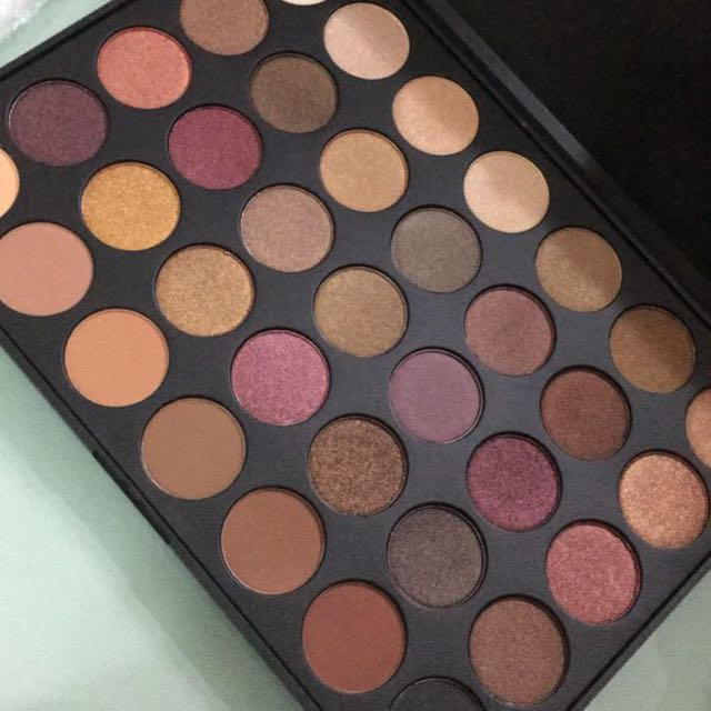 Instock Morphe 35f Palettr Health Beauty Makeup On Carousell Beauty joint is best morphe brushes wholesale online store, where you can buy all morphe cosmetic brush sets with worldwide shipping at affordable price. carousell