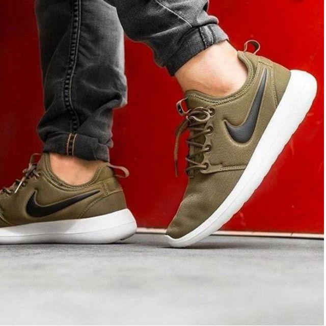 sale retailer fae70 85553 Nike Roshe Two Iguana Black, Men s Fashion, Men s Footwear on Carousell