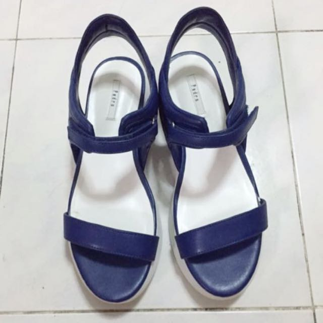 3b30fe6202bf8 Pedro Female Ladies Electric Navy Dark Blue Colour Sleek Sandals Shoes Shoe  Sandal Casual Wear, Women's Fashion, Shoes on Carousell