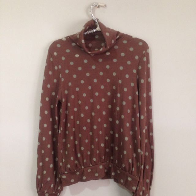 polkadot turtleneck brown