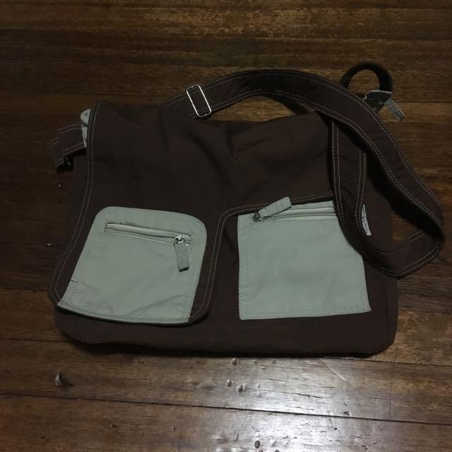 Pre Loved Heartstrings Brown Bag