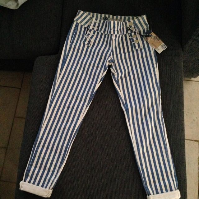 Refuge Size 7 Midrise Blue Stripes