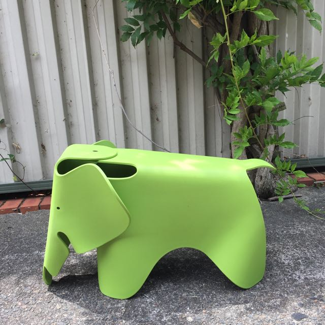 Replica Eames Elephant Stool For Kid Great Condition