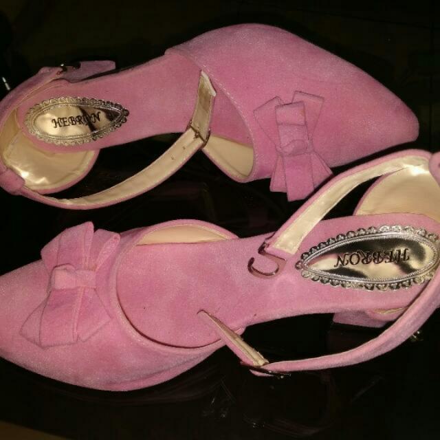 Sepatu Pink Size 37-38