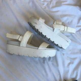 Spurr Shoe