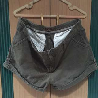 Hot pants colorbox size xl bahan katun warna hijau army