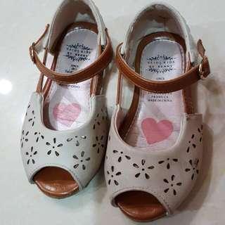 [二手]小花鏤空涼鞋EU25