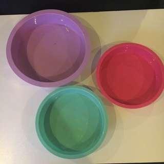 Set Of 3 Round Cake Pans