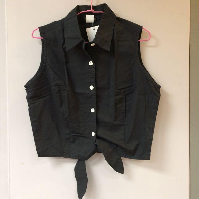 短版黑襯衫背心