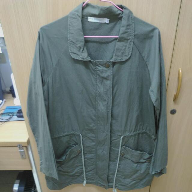 軍綠長版外套