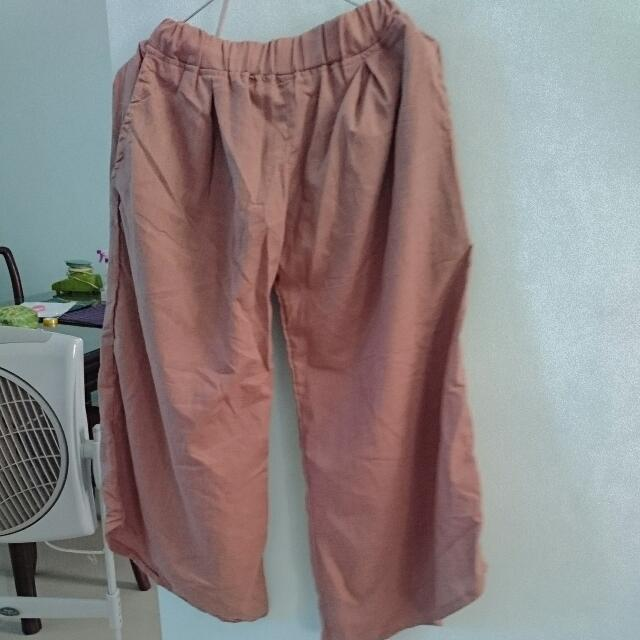 Celana Kulot Lembut Warna Dusty Pink Cenderung Brown Almost New