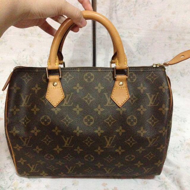 Louis Vuitton Speedy 30 Handbag LV