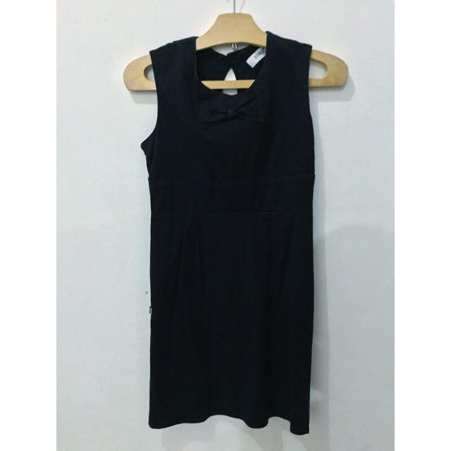 MEG black dress