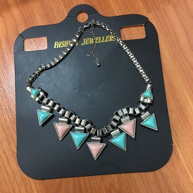 pull&bear pastel necklace