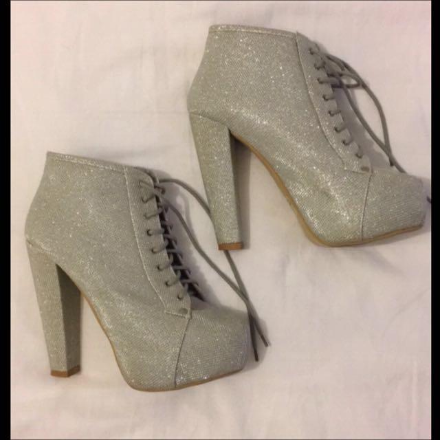 Size 8 Glitter Boots