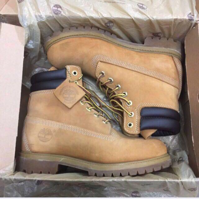 Timberland黃靴二手正品,極少穿 國外購買,便宜出售 Us7~8號都可穿 可面交