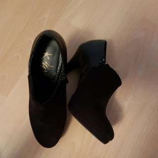 Black Booties Size 7