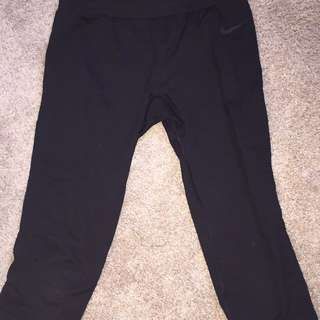 Nike pro dry-fit leggings (cropped)