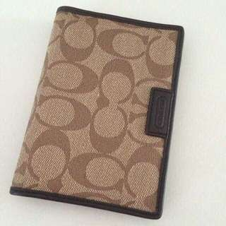85ef88c18517 BN Authentic Coach Passport Case (with Tag)
