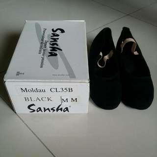 Sansha character shoe (Moldau)
