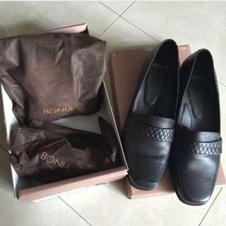 BN Bonia Leather Shoes