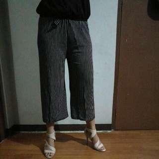 Tokong Loose Pants