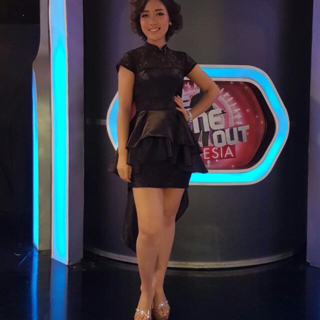 Dress Ekor Panjang