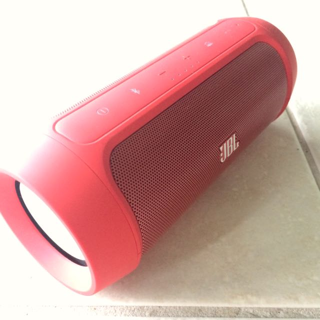 JBL Charge 2+: MAKE AN OFFER!!!