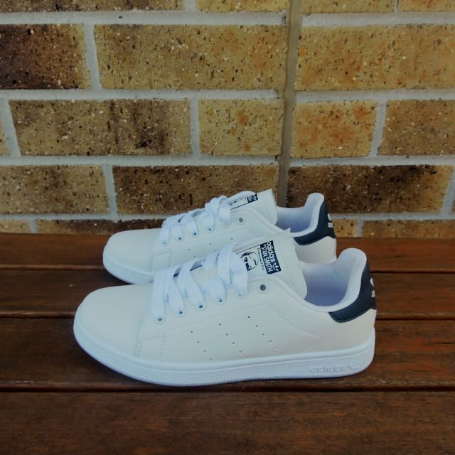 Navy Adidas Stan Smith Shoes