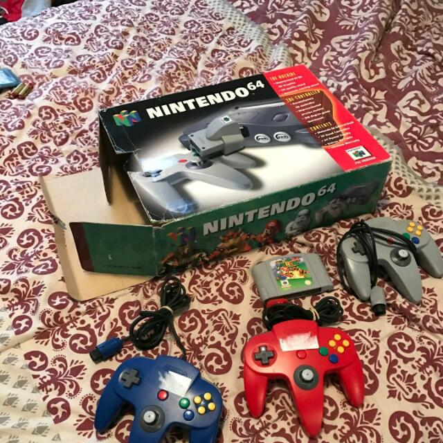 Nintendo 64 3 Controllers Plus Game Boxed