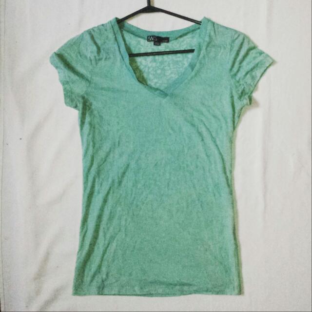 torquoise t-shirt