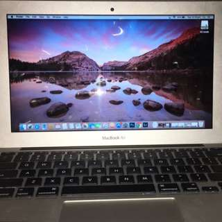 Mac Book Air 11 Inch