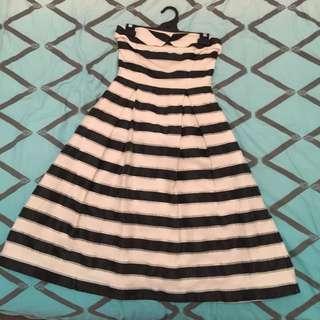 Size 8 Portmans Signature dress.