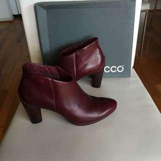 Ecco Burgundy Leather Heel Boots