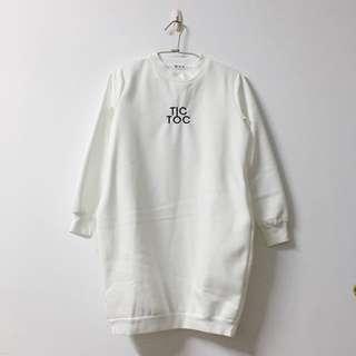 白色長版衛衣