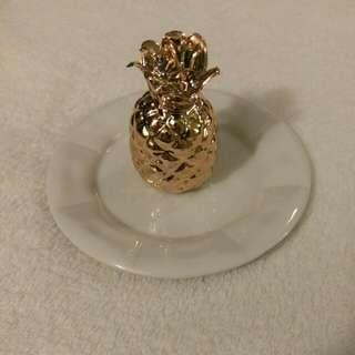 Pineapple Ring Holder
