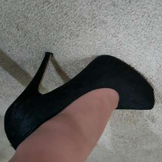 size 8 black lace pumps/heels