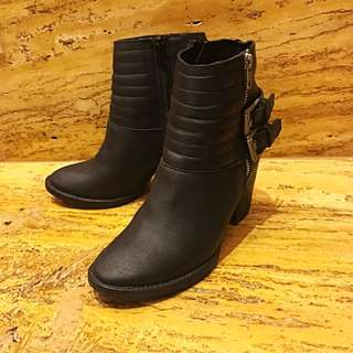 小香風 粗跟 黑短靴
