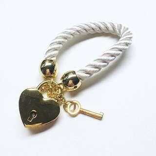 Gold Heartlock Bracelet
