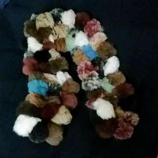 毛毛球頸巾  Soft Puffy Scraf