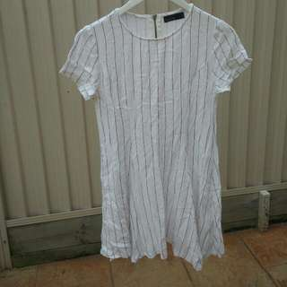 STELLINO striped baseball shift dress in white - size 8, small