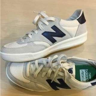 New Balance 米白色跑鞋