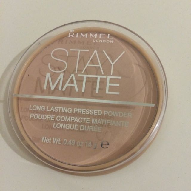 BRAND NEW Rimmel Stay Matte Powder (004 Sandstorm)