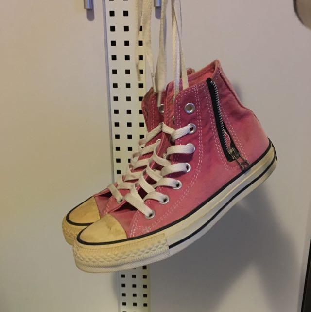 converse粉紅帆布鞋