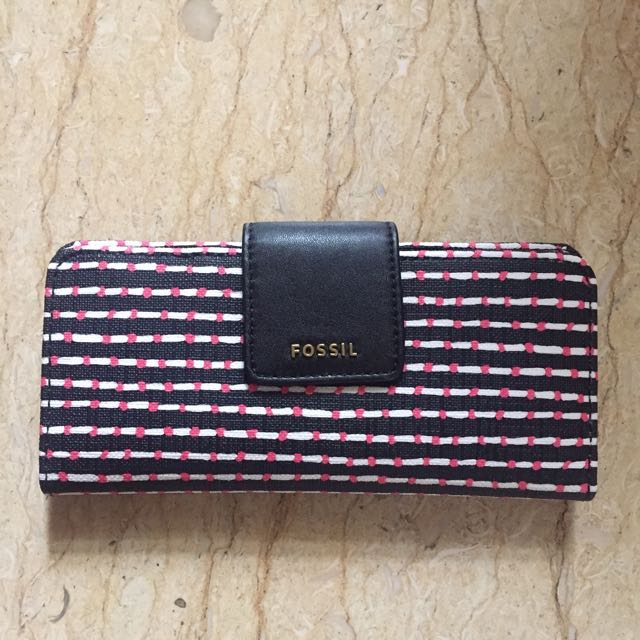 (JUST CAME) FOSSIL WALLET