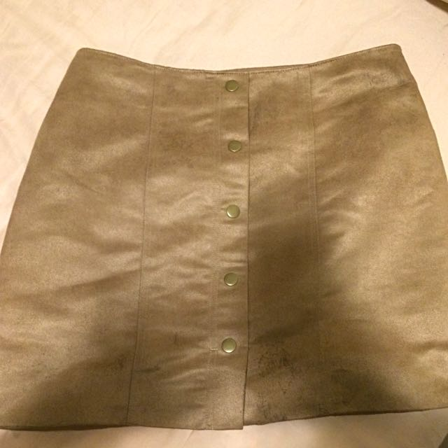 Gap-size 2- A Line Skirt - Suede material