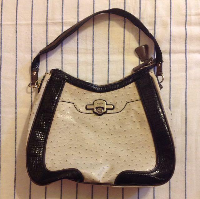 c5e09c3b03c0 Guess Monogram Handbag