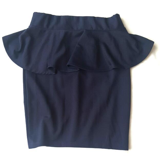 Like New! Navy Blue Peplum Skirt Size 6